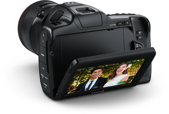 https://images.blackmagicdesign.com/images/products/blackmagicpocketcinemacamera/landing/lcd/camera2@2x.png?_v=1613535966